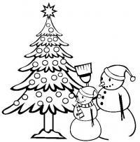 Снеговики возле наряженной елки Рисунок раскраска на зимнюю тему