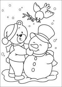 Плакаты, медведь лепит снеговика Раскраски зима скачать бесплатно