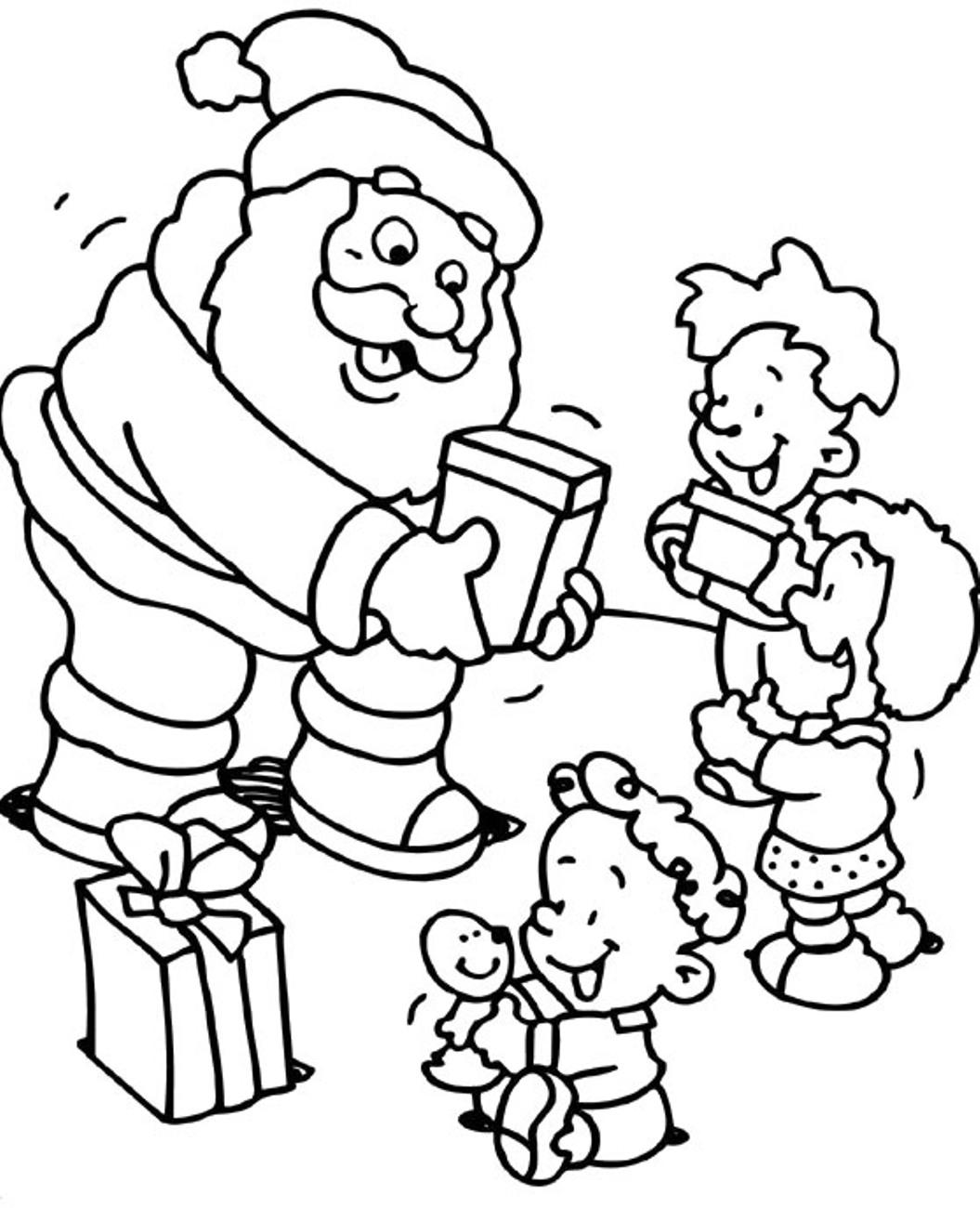 Дед мороз дарит детям подарки Раскраска сказочная зима