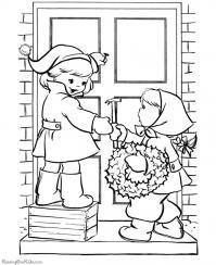 Дети вешают на дверь новогодний рождественский венок Зимние рисунки раскраски