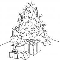 Елка с подарками и горящими свечами Детские раскраски зима распечатать