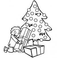 Елка с подарками и мальчик Раскраски зимушка зима