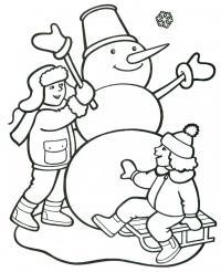 Дети смеются возле снеговика Рисунок раскраска на зимнюю тему